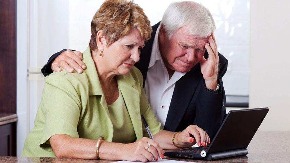 nyugdíjas és kereseti internet)